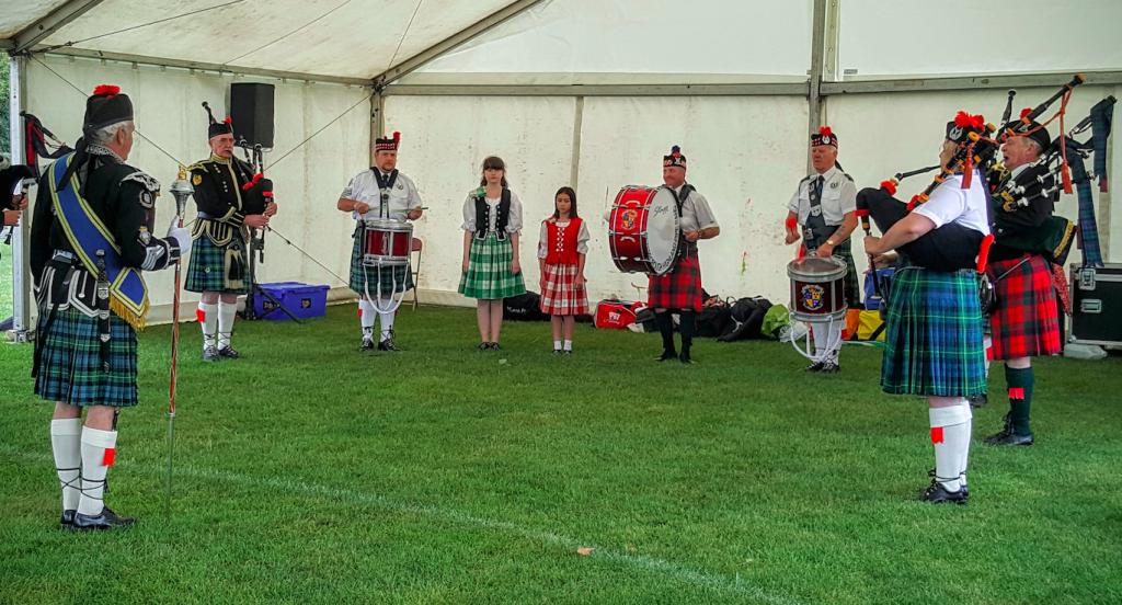 Peterborough Highland Pipeband with Scottish Dancers