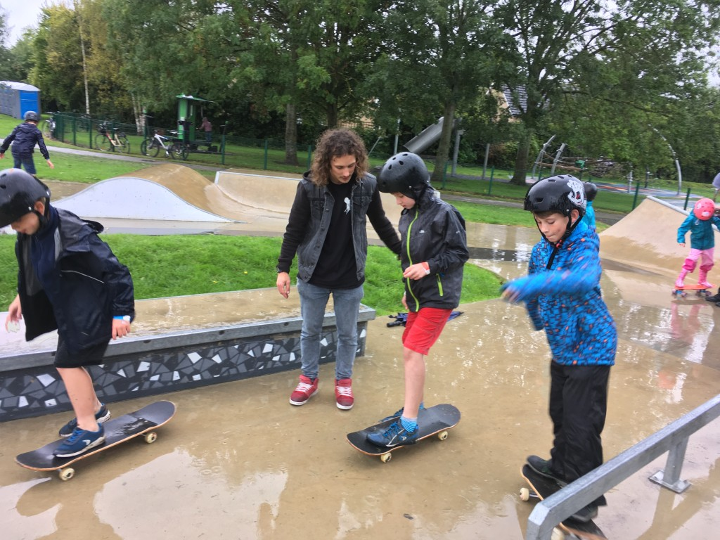 Skateboard lessons with Skates and Ladders